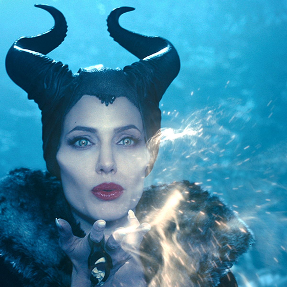 Maleficent A Reborn Angelina Jolie Is The Perfect Heroine