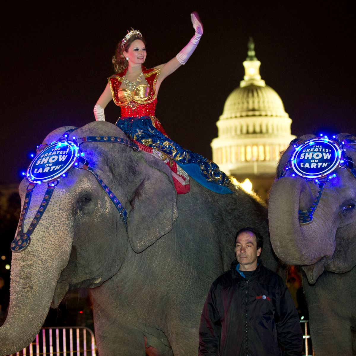 Ringling Bros. to phase out elephant acts by 2018