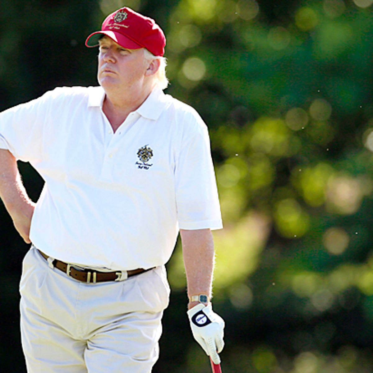 FBI investigating Trump golf club for hiring undocumented workers after tip to Mueller