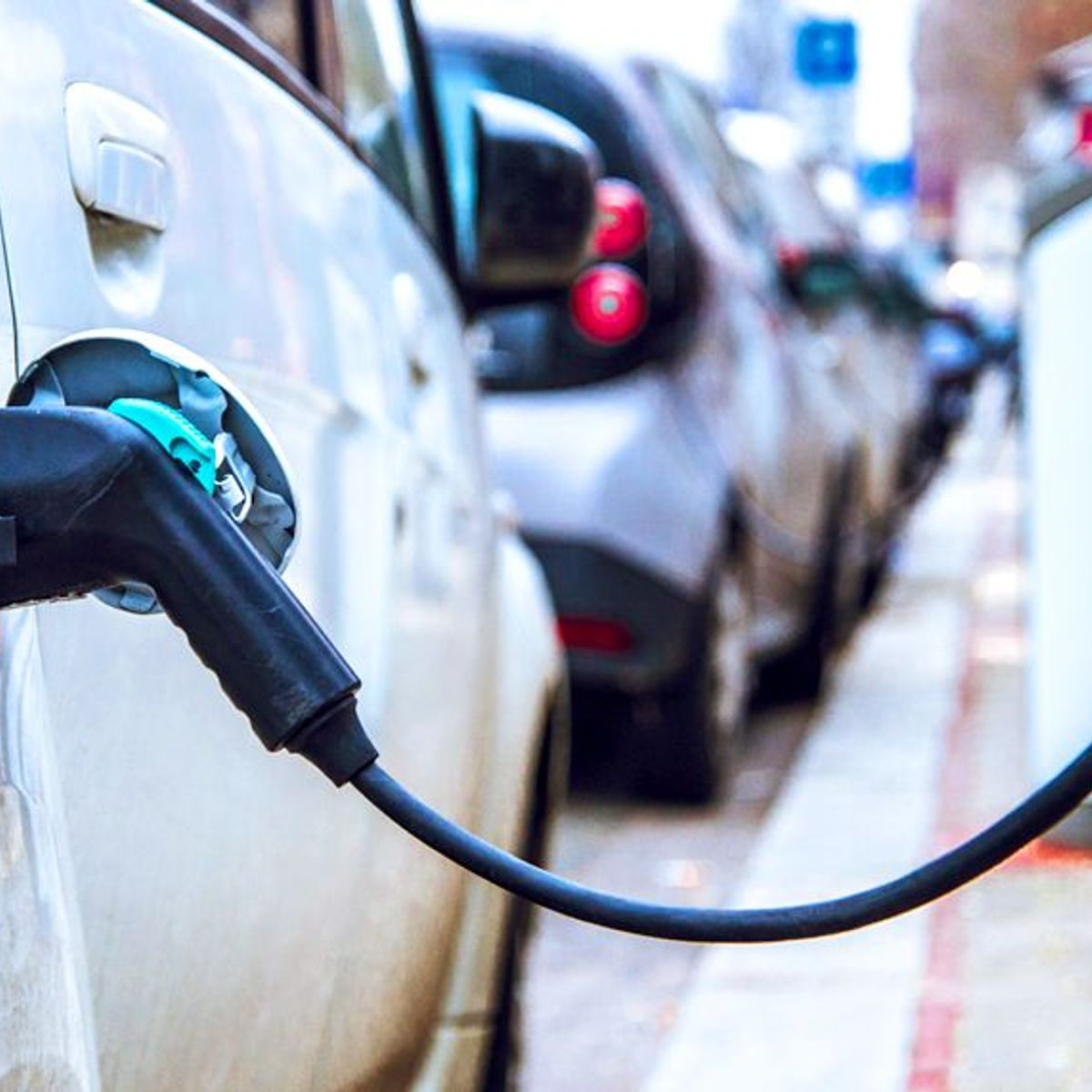 Why a measured transition to electric vehicles would benefit the U.S.