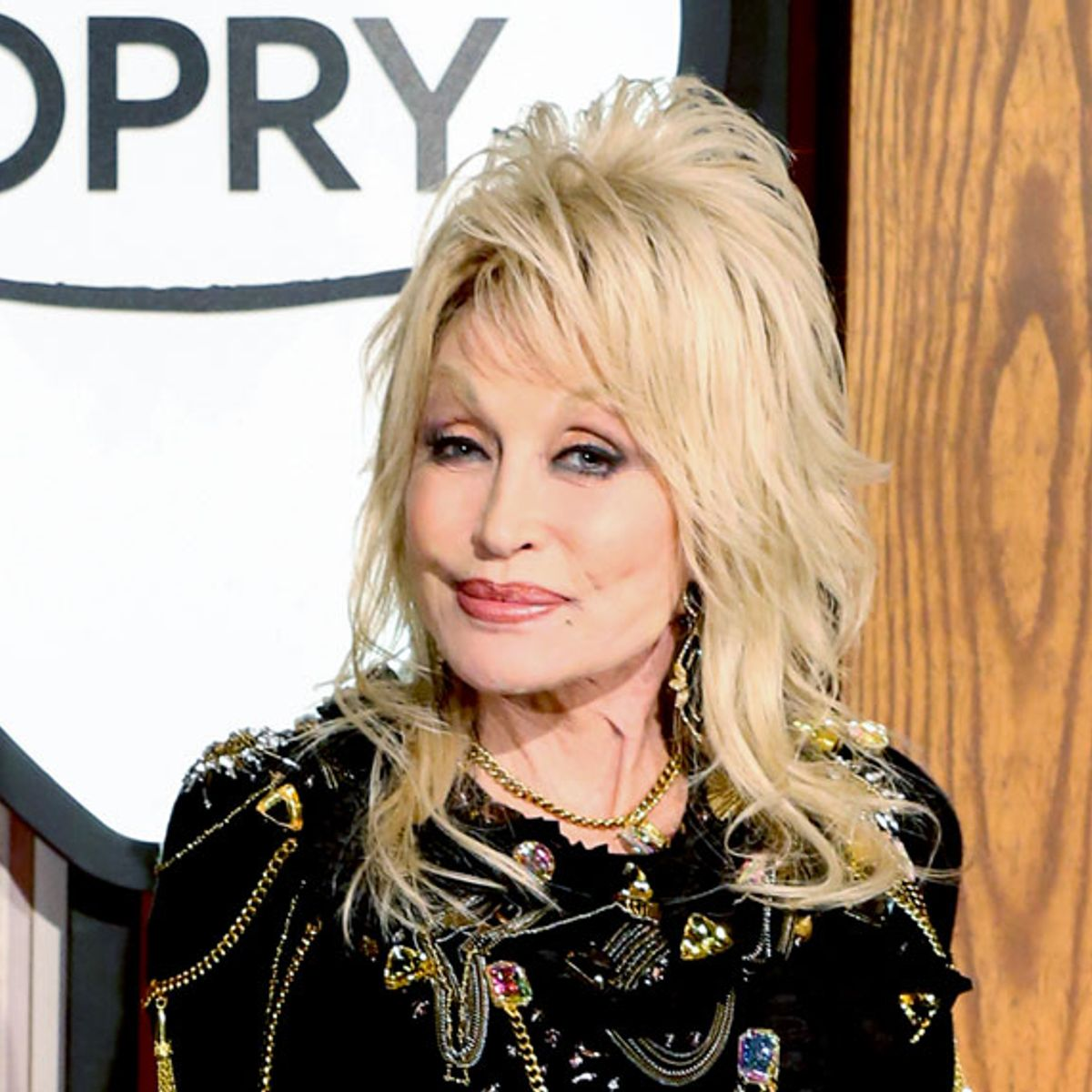 Dolly Parton American Icon Why Everything S Coming Up