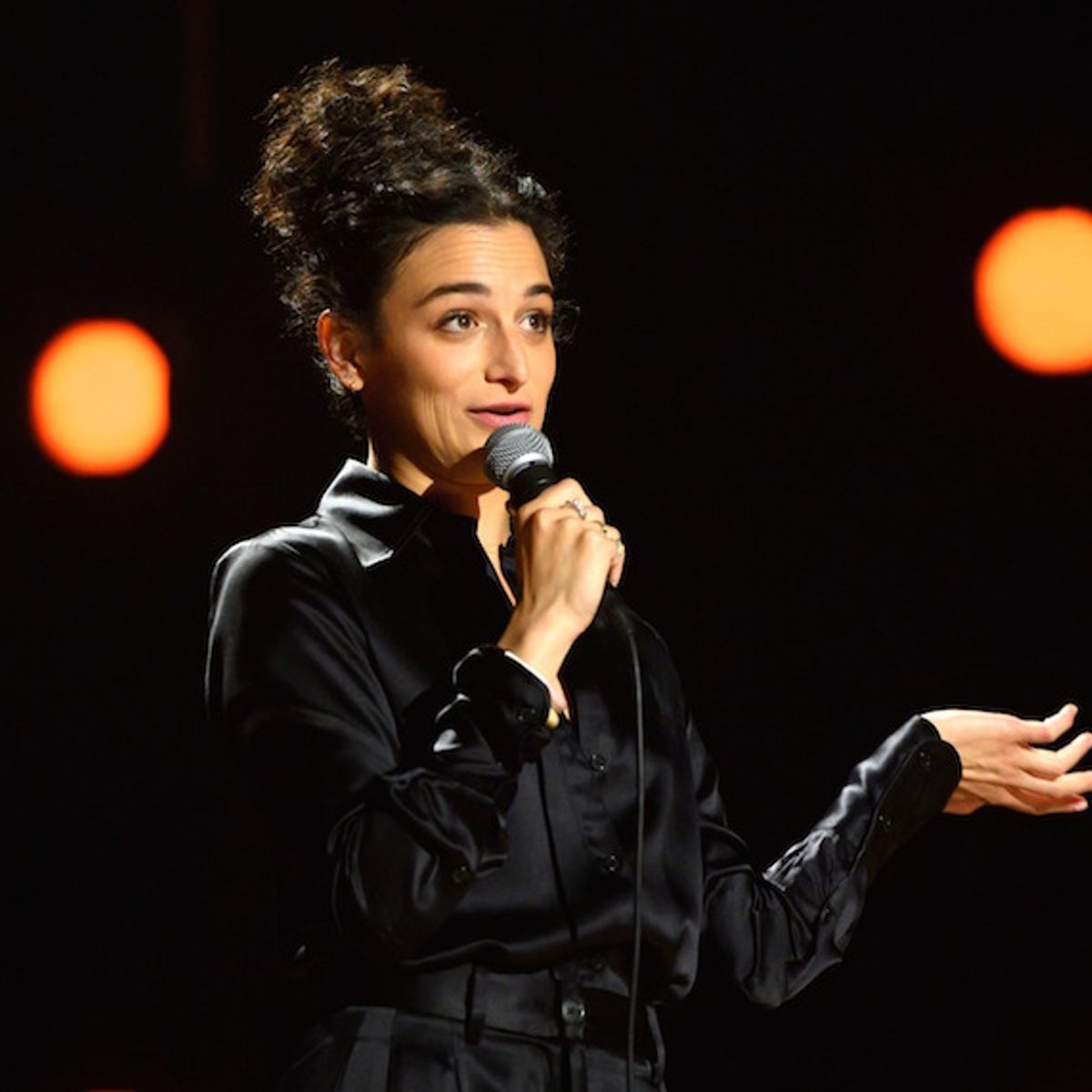 Jenny Slate is fearlessly silly in first Netflix stand-up special