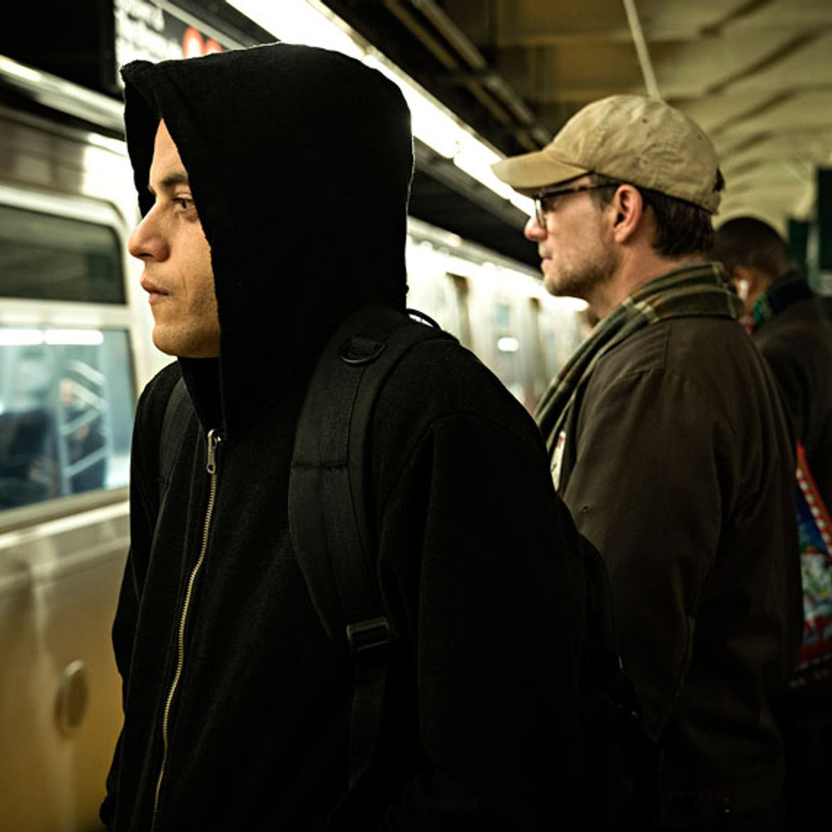 """Unhinged melody: """"Mr. Robot"""" puts a grim holiday bow on its endgame"""
