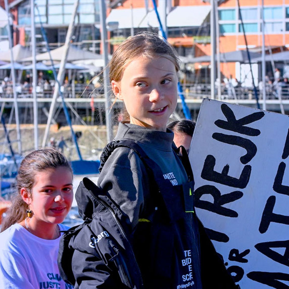 Climate activist Greta Thunberg successfully completes a three-week voyage across the Atlantic Ocean