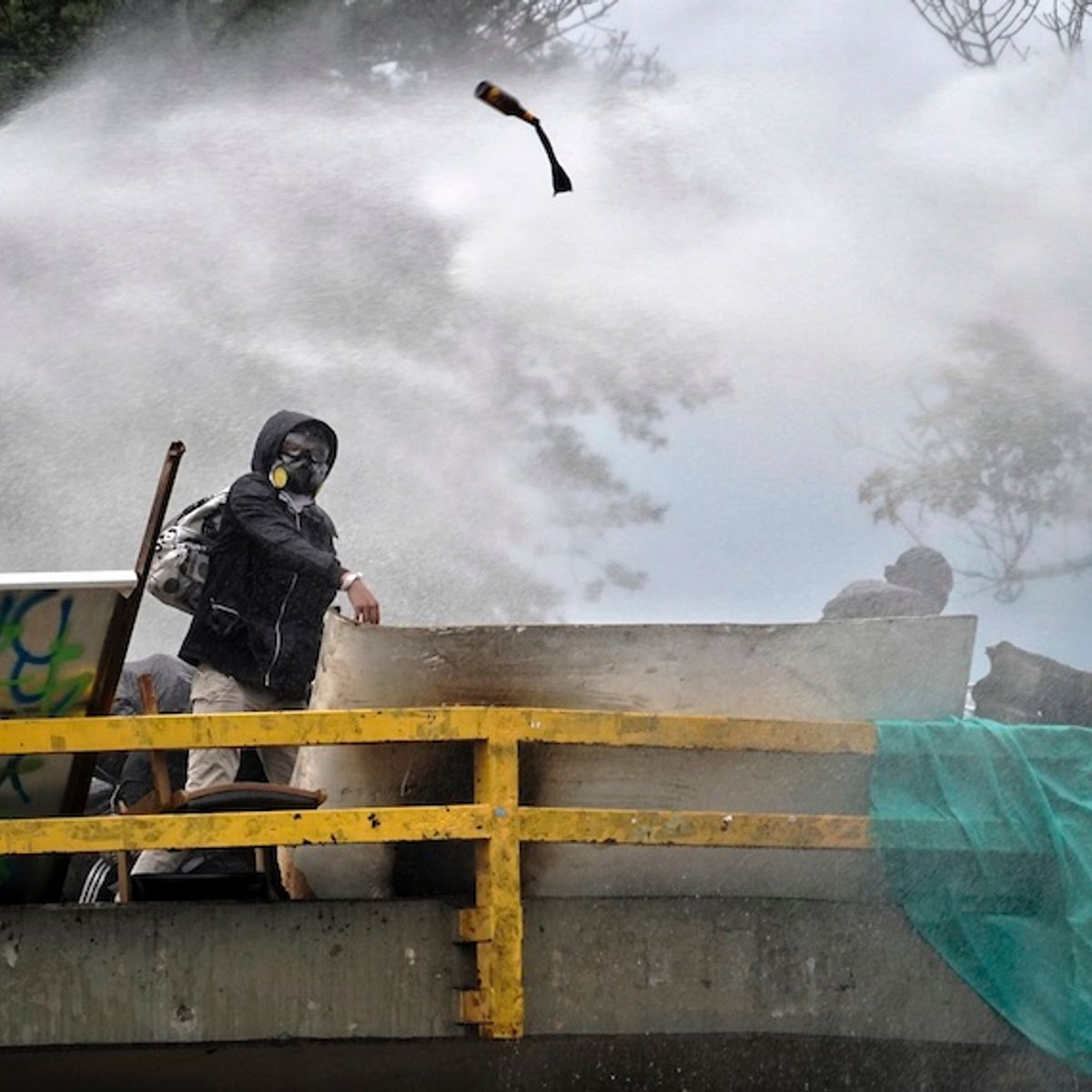 The people of Colombia are cracking up the walls of war and authoritarianism