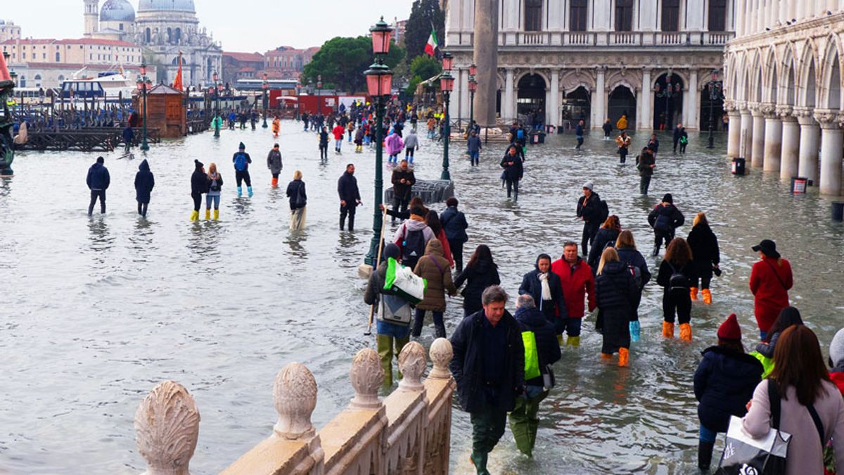 Image result for picture of flooded venice city