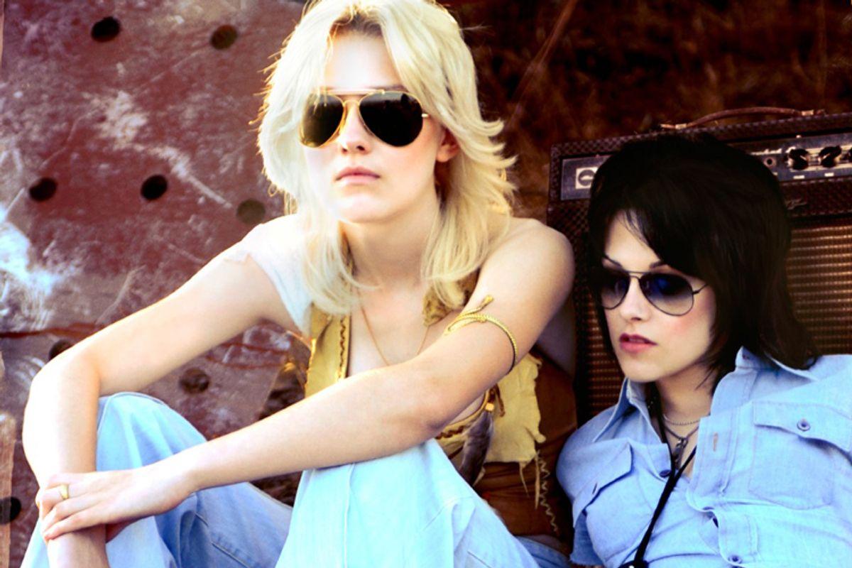 """Dakota Fanning and Kristen Stewart in """"The Runaways"""""""
