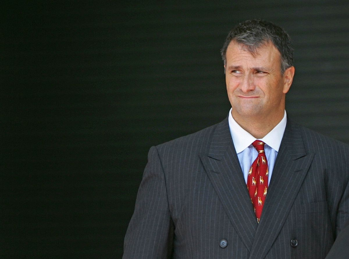 18 Aug 2005, MIAMI, FL, USA --- Washington lobbyist Jack Abramoff leaves the courthouse in Miami August 18, 2005.  Abramoff, a central figure in investigations involving House Majority Leader Tom Delay, plans to fight charges he defrauded two lenders of $60 million to buy a casino cruise line, his lawyer said on Thursday. Abramoff, a well-connected Republican lobbyist, and Adam Kidan, his partner in the $147.5 millions buyout of SunCruz Casino five years ago, were indicted by a federal grand jury in Fort Lauderdale, Florida, on August 11.  --- Image by © CARLOS BARRIA/Reuters/Corbis   (© Carlos Barria/reuters/corbis)
