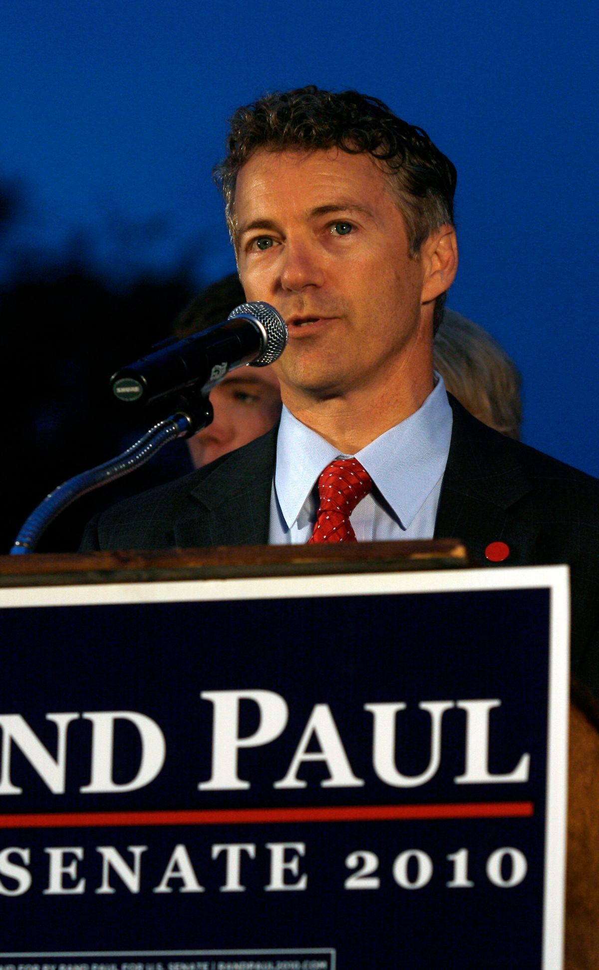 Rand Paul gives his victory speech after winning the Senate Republican primary election in Bowling Green, Kentucky, at Bowling Green Country Club May 18, 2010. Rand Paul, a doctor and son of libertarian Republican Representative Ron, beat Kentucky Secretary of State Trey Grayson for the Republican nomination for an open U.S. Senate seat in a race seen as an early test of the strength of the movement.           REUTERS/Jake Stevens   (UNITED STATES - Tags: POLITICS ELECTIONS) (Reuters)