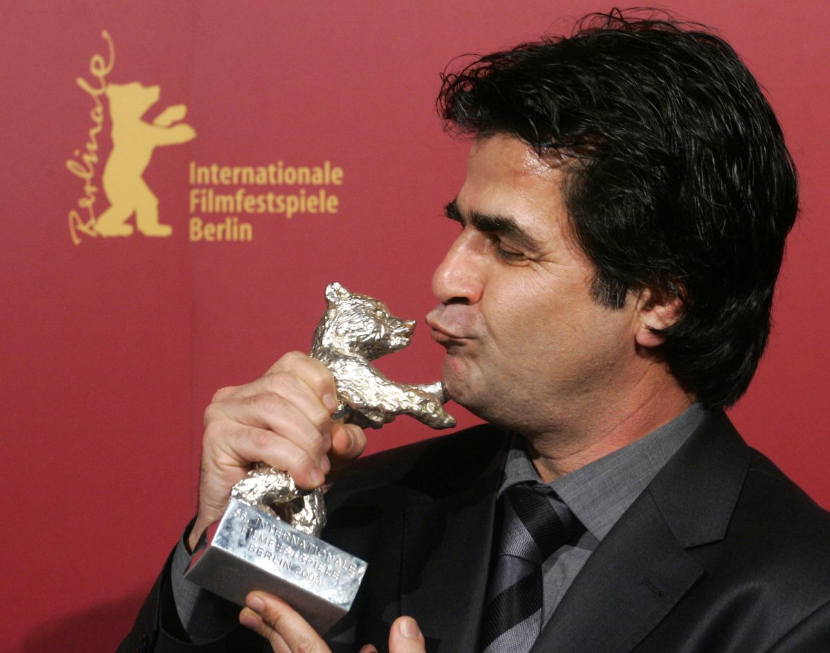Iranian director Jafar Panahi poses with his Silver Berlin Bear after the awarding ceremony at the 56th Berlinale International Film Festival in Berlin February 18, 2006. Panahi won the Grand Prix of the Jury for his film 'Offside'.     REUTERS/Arnd Wiegmann (Reuters)
