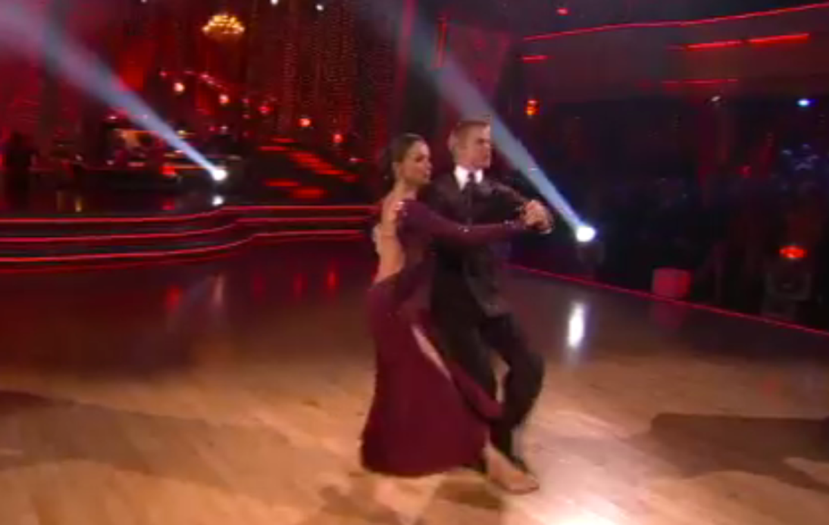 """Jennifer Grey performs during last night's """"Dancing With the Stars"""""""
