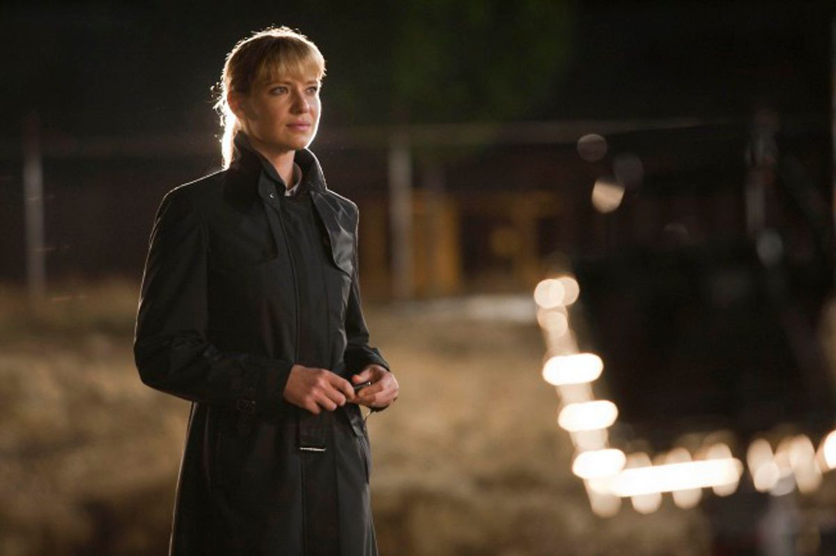 Olivia (Anna Torv) unearths clues to a case