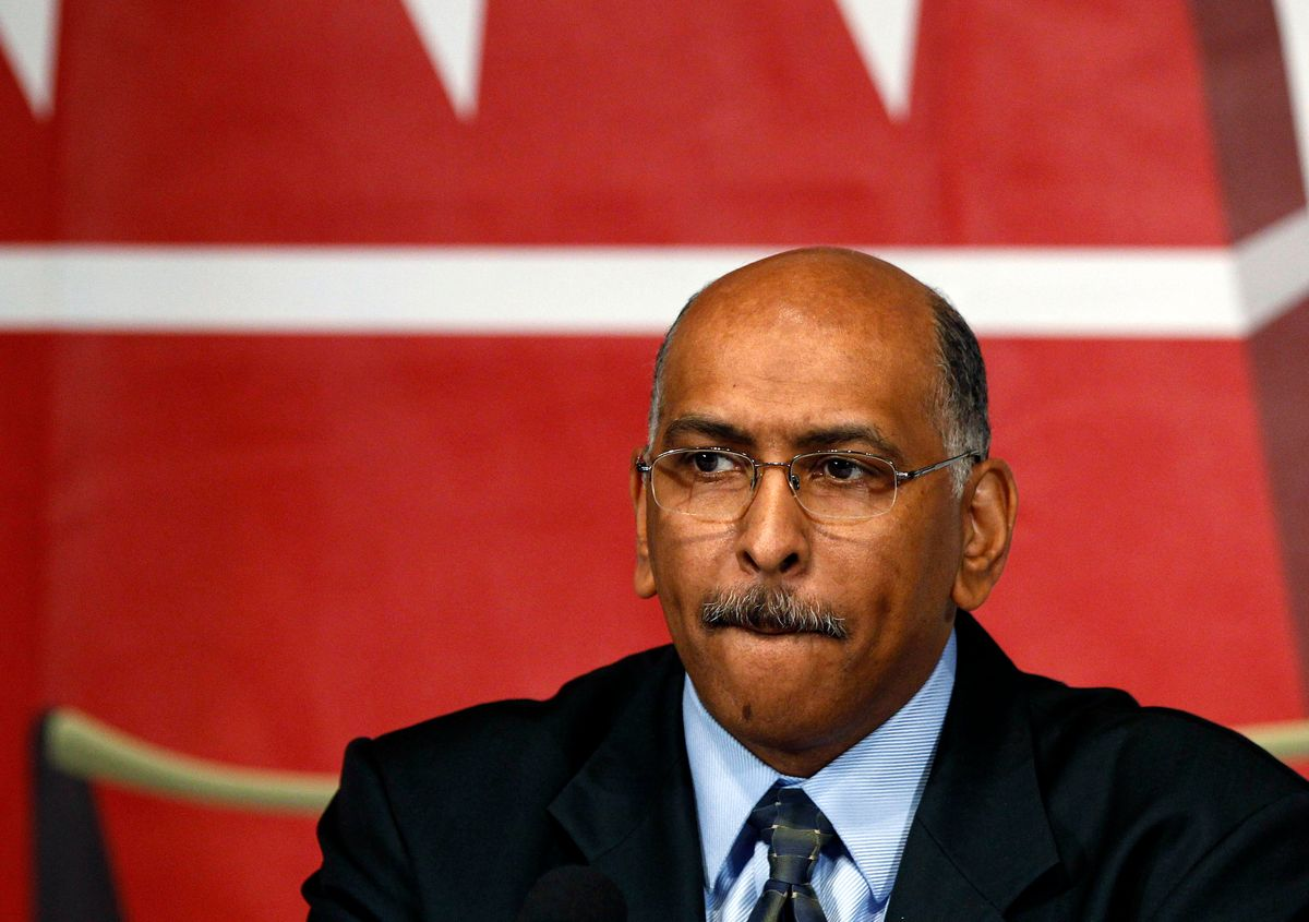Michael Steele, candidate for the chairmanship of the Republican National Committee, attends a debate with other candidates at the National Press Club in Washington January 3, 2011.      REUTERS/Larry Downing (UNITED STATES - Tags: POLITICS)   (© Larry Downing / Reuters)