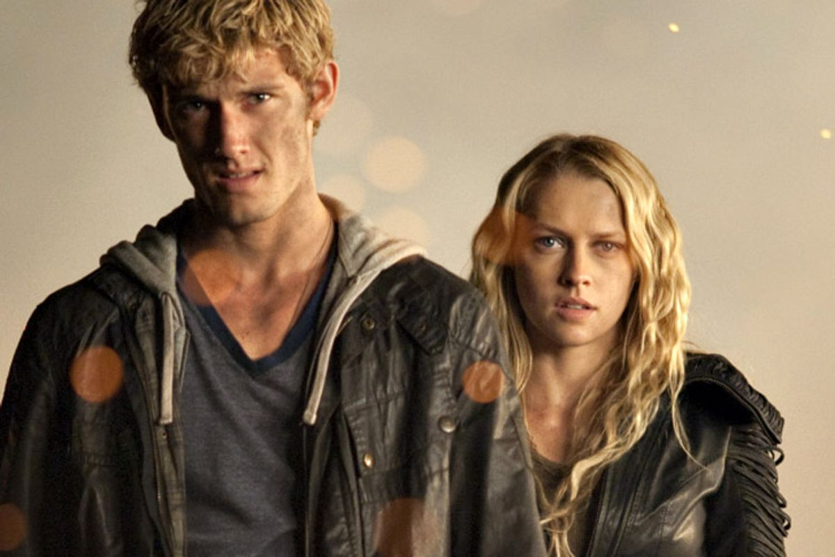 """Alex Pettyfer and Teresa Palmer in """"I Am Number Four"""""""
