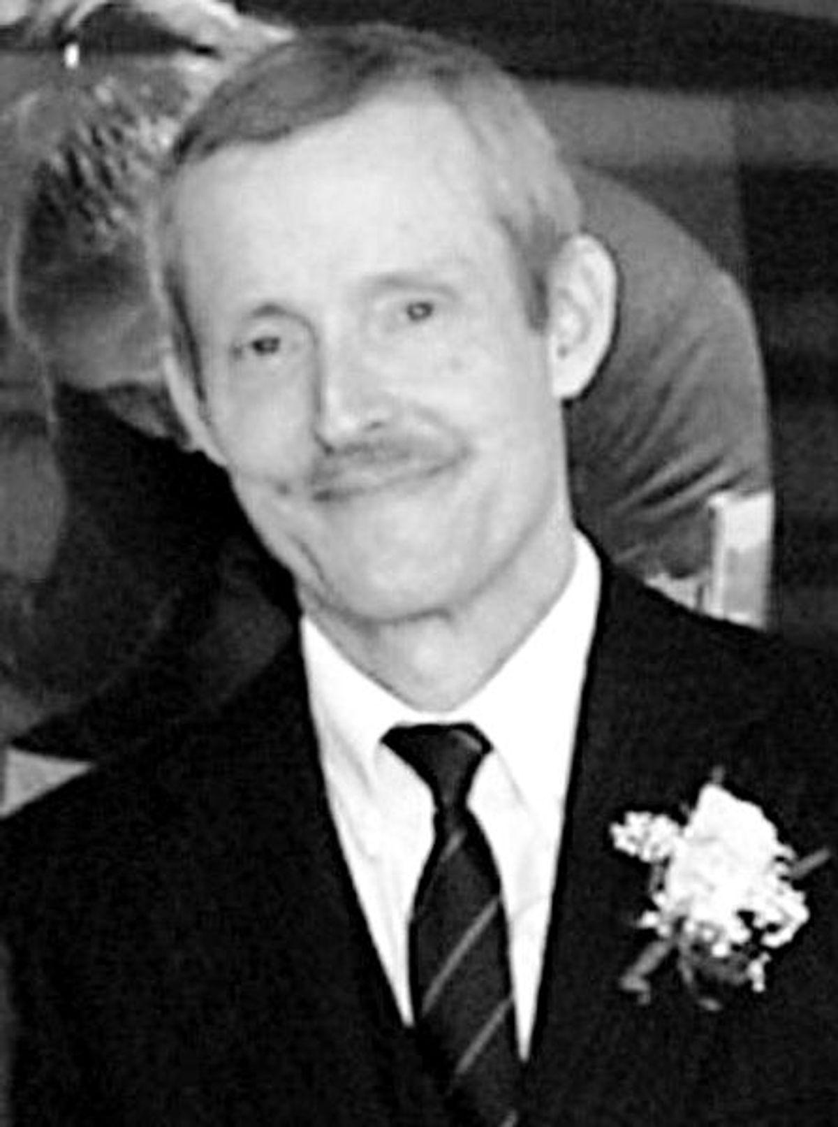 Ivins at a 2003 awards ceremony at USAMRIID