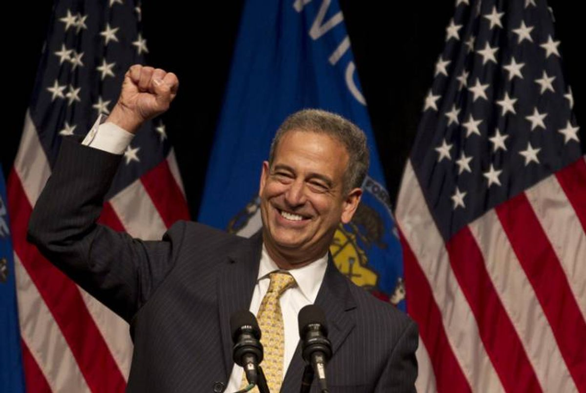 Sen. Russ Feingold (D-Wis) speaks at a campaign event with first lady Michelle Obama Wednesday, Oct. 13, 2010, in Milwaukee. (AP Photo/Morry Gash)  (Morry Gash)