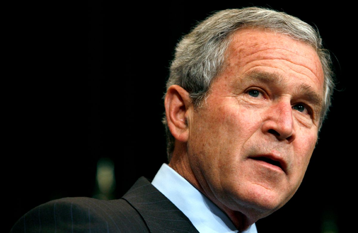 U.S. President George W. Bush speaks to military leaders after receiving a briefing on the war in Iraq during a visit to CENTCOM in Tampa, Florida, May 1, 2007.   REUTERS/Kevin Lamarque    (UNITED STATES) (© Kevin Lamarque / Reuters)