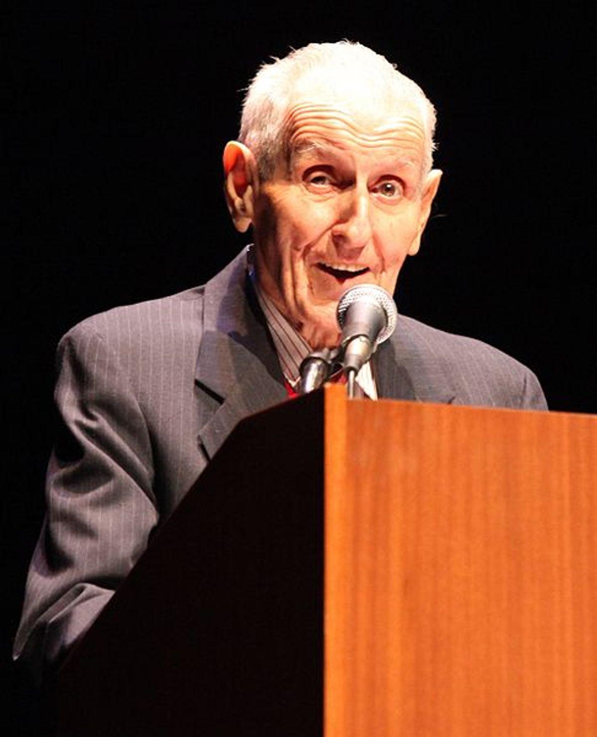 Jack Kevorkian speaking at UCLA.