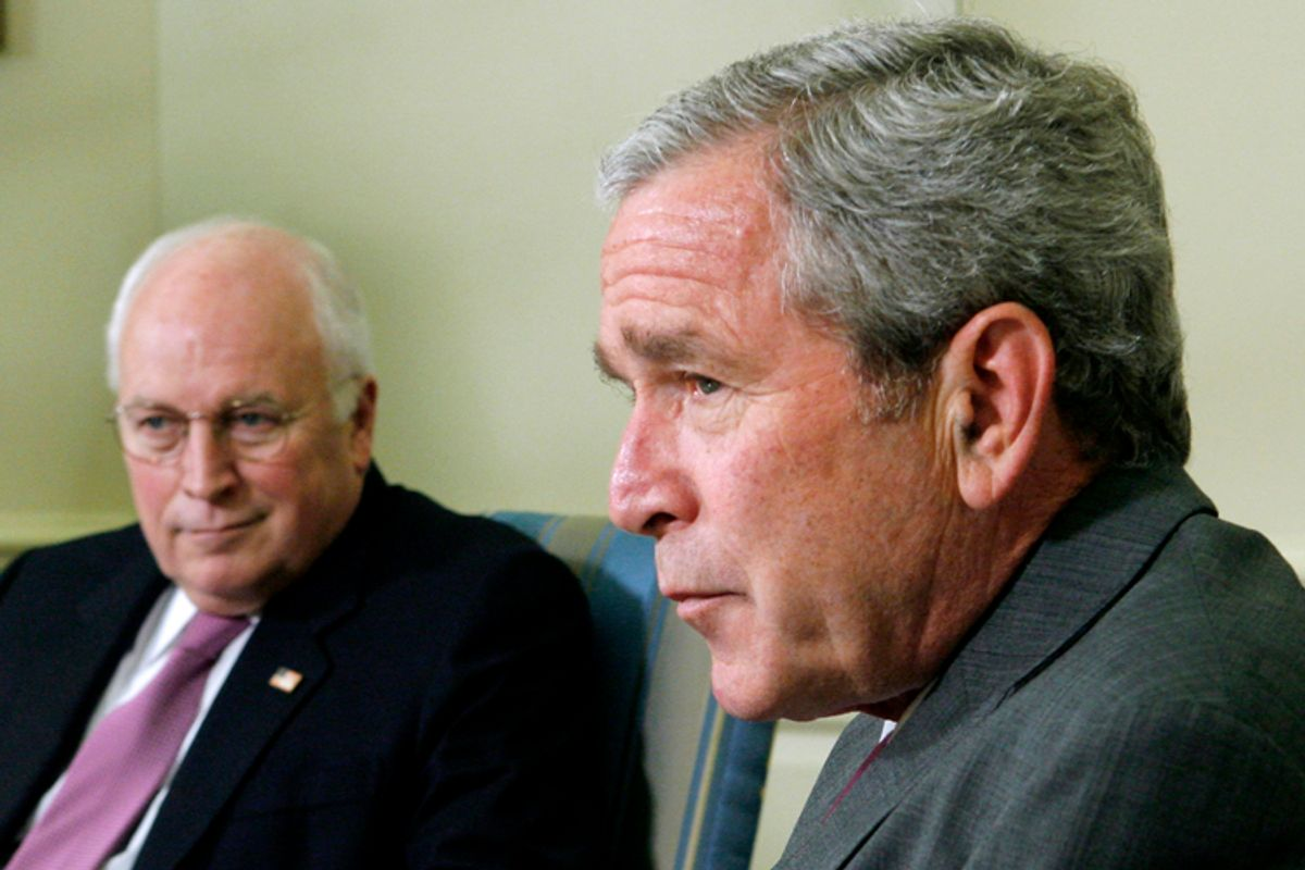 U.S. President George W. Bush (R) and Vice President Dick Cheney sit in the Oval Office at the White House in Washington June 14, 2007.  REUTERS/Jim Young    (UNITED STATES)    (© Jim Young / Reuters)