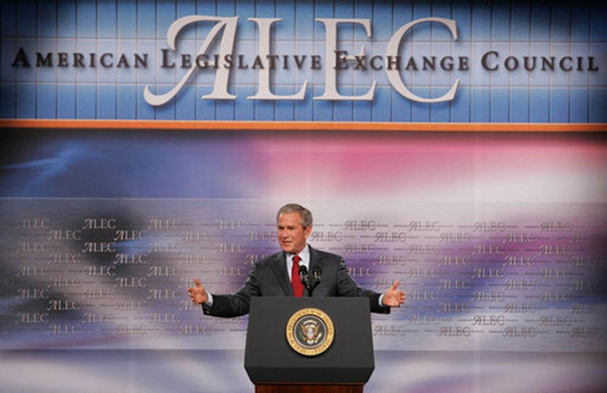 President Bush makes remarks to the American Legislative Exchange Council at the Philadelphia Marriott Hotel in downtown Philadelphia, PA (Chris Greenberg)
