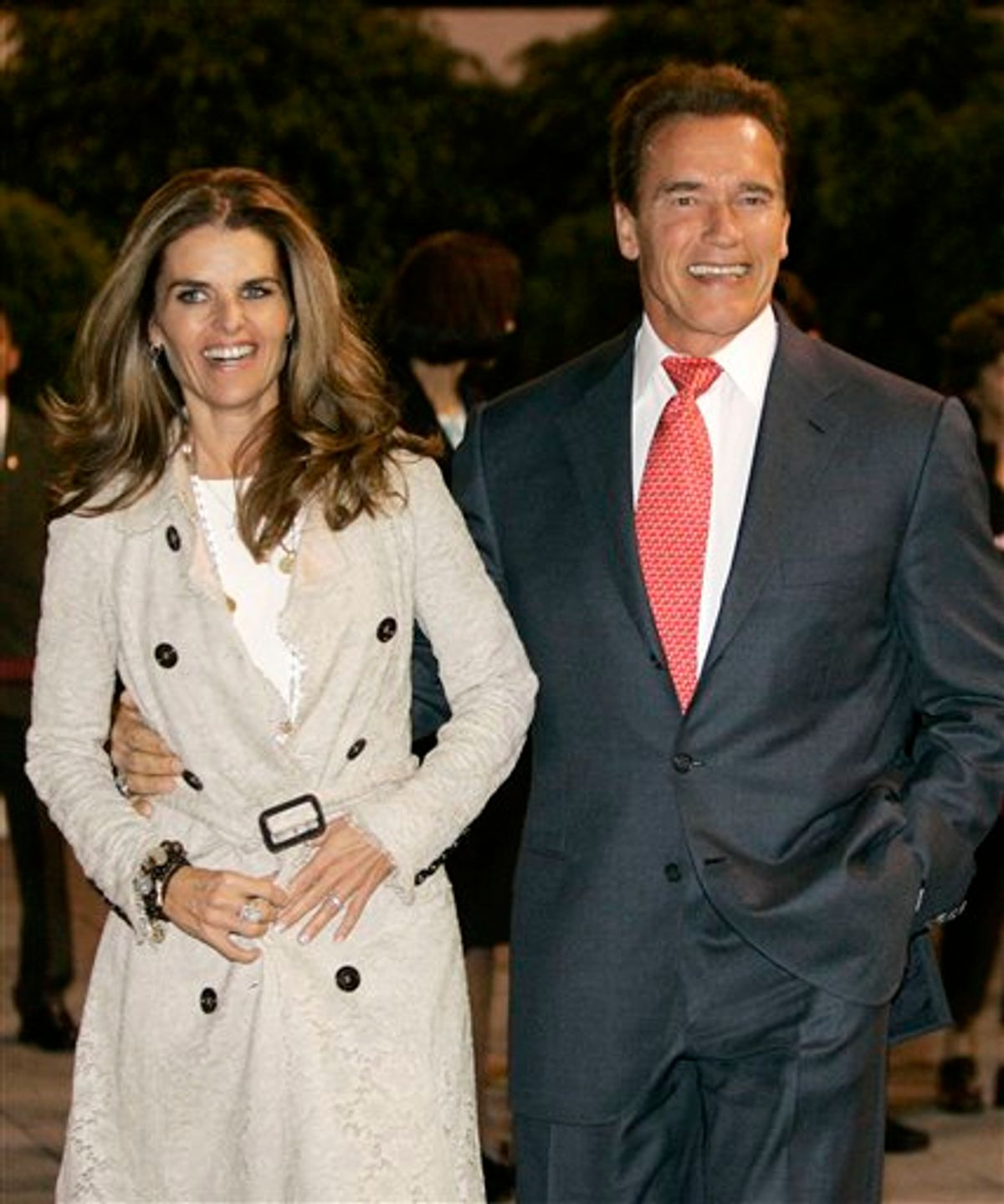 FILE - In this Nov. 8, 2006 file photo, California Gov. Arnold Schwarzenegger arrives in Mexico City, Mexico, with his wife Maria Shriver. Maria Shriver has filed for divorce from Arnold Schwarzenegger in Los Angeles Superior Court, Friday, July 1, 2011.   (AP Photo/Marcio Jose Sanchez, file) (AP)