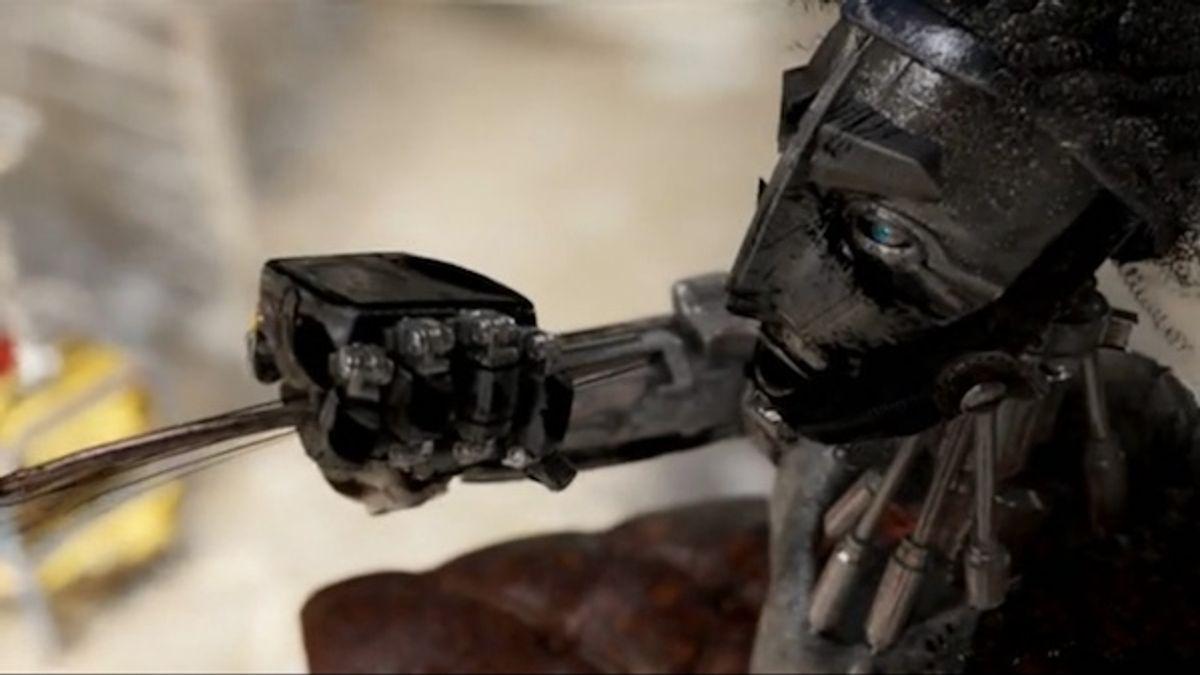 I am robot, hear me roar.
