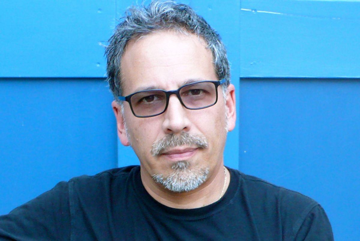Author Rubén Martínez    (Angela Garcia)