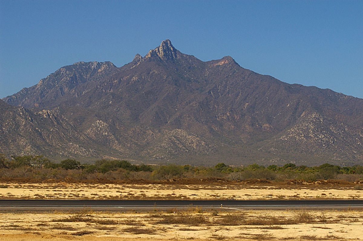 An estimated 1.7 million ounces of gold, worth more than $2 billion, are embedded in Mexico's Sierra la Laguna mountain.   (Vlad Litvinov/Flickr)