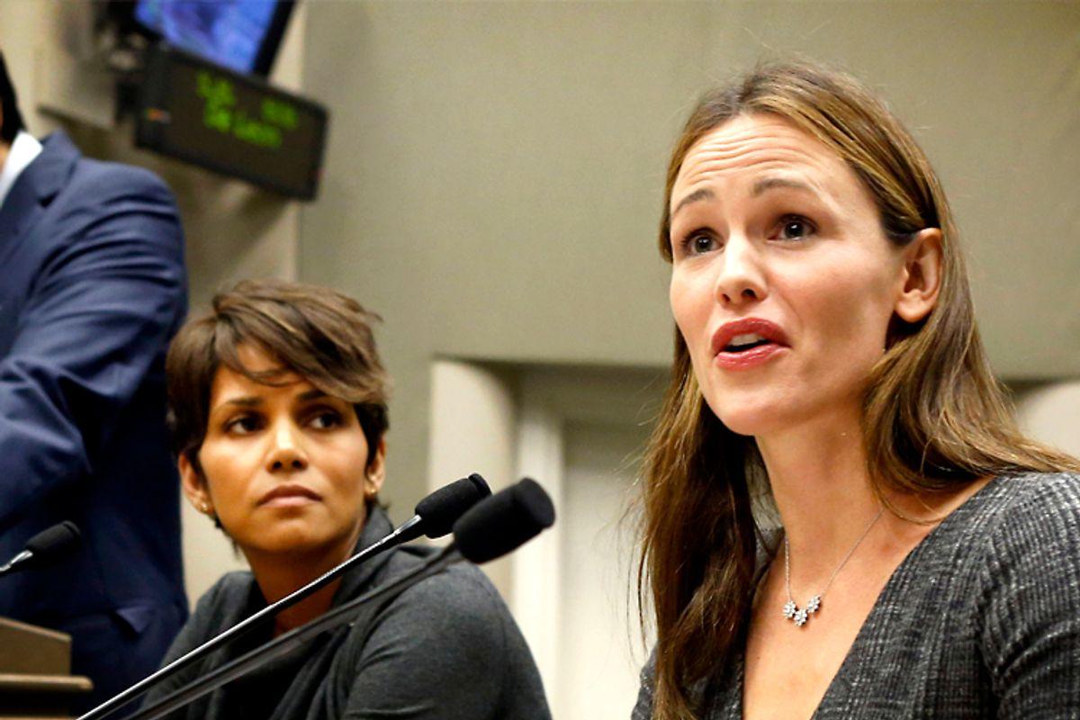 Halle Berry, Jennifer Garner        (AP/Rich Pedroncelli)