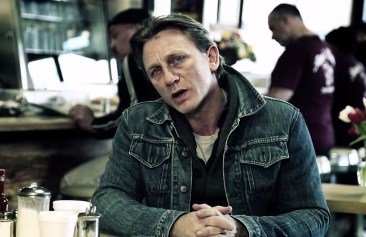 Daniel Craig       (YouTube)