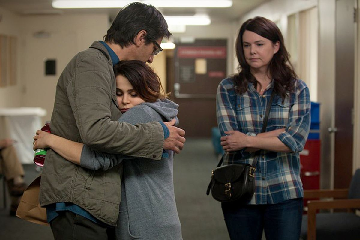 "Ray Romano, Mae Whitman, Lauren Graham in ""Parenthood""        (NBC/Colleen Hayes)"