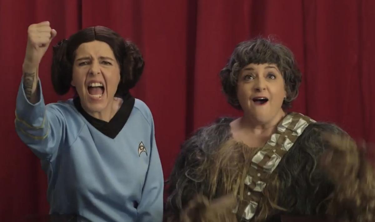 "Neko Case and Kelly Hogan in ""These Aren't the Droids""    (screenshot)"
