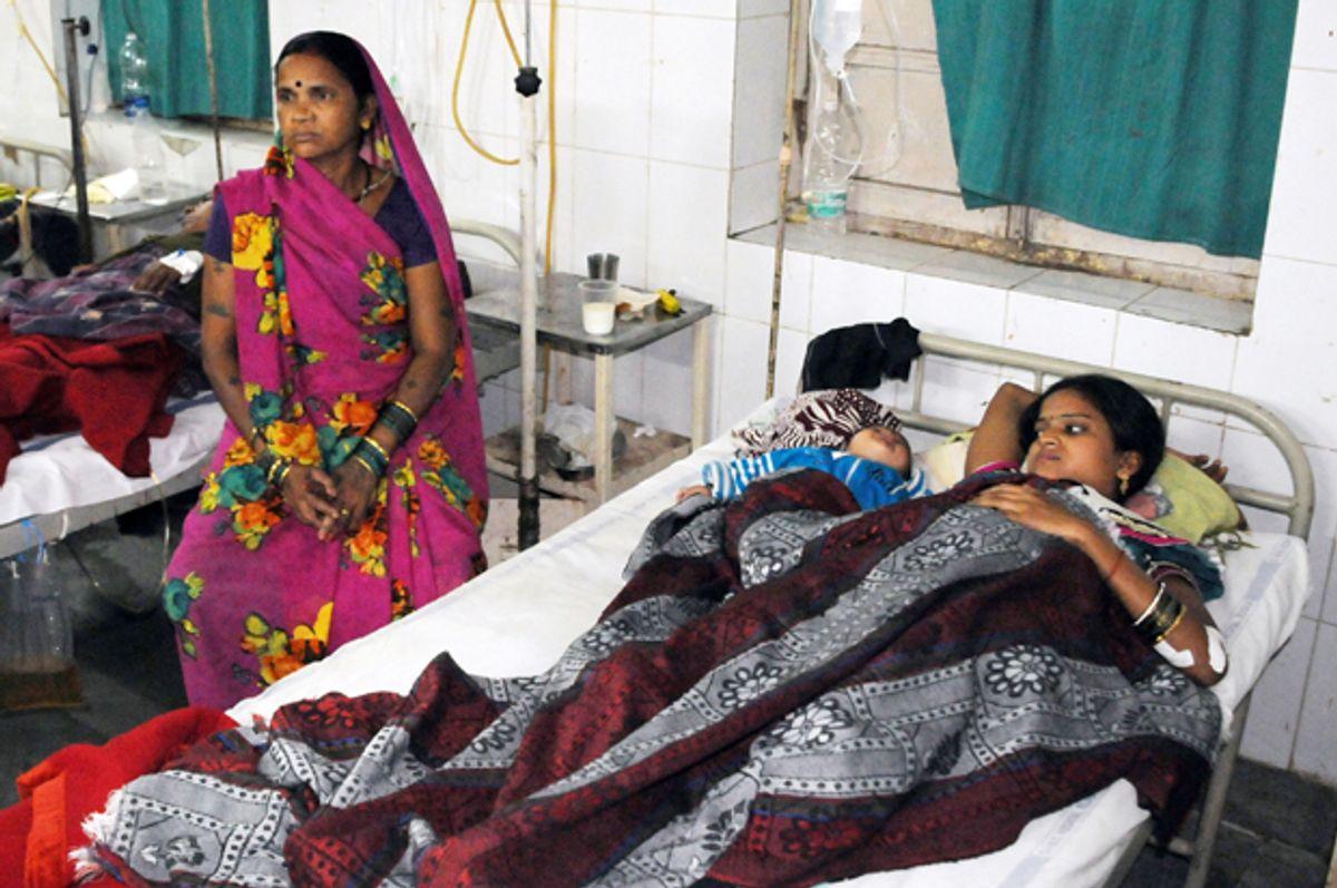 Indian women who underwent sterilization surgeries receive treatment at the CIMS hospital in Bilaspur, Nov. 11, 2014.         (AP)
