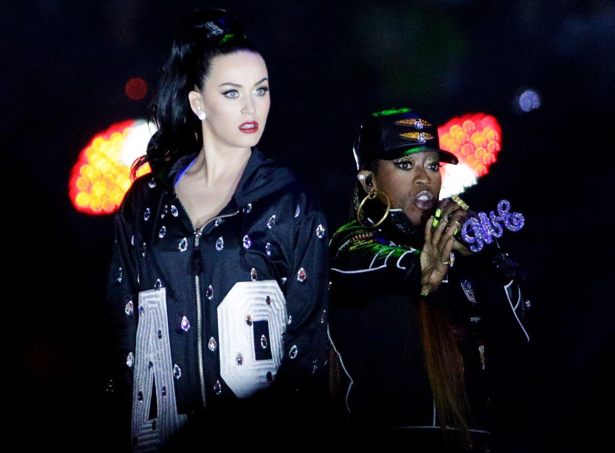Singers Katy Perry, left and Missy Elliott perform during halftime of NFL Super Bowl XLIX.      (AP/David J. Phillip)