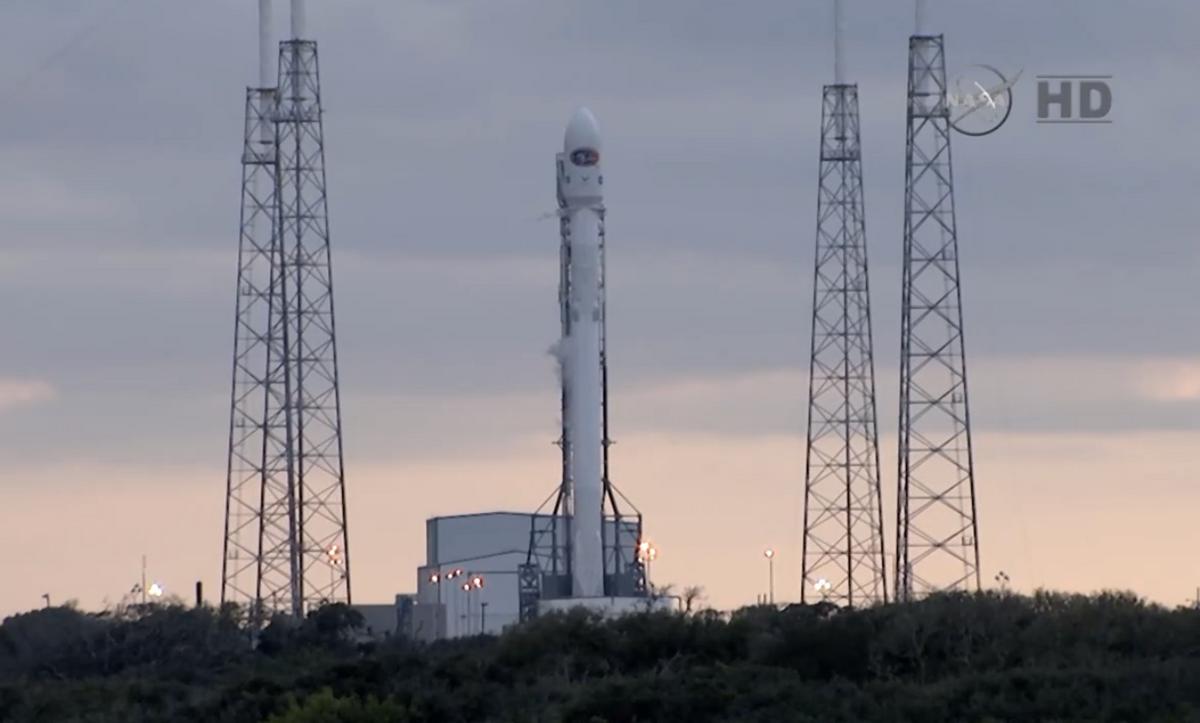 SpaceX    (NASA)