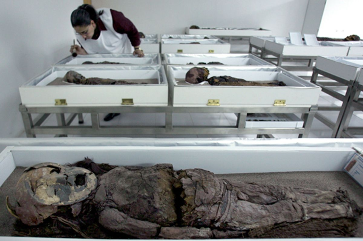 A mummified Chinchorro child in Azapa's San Miguel Museum in Arica city, October 27, 2005.     (Reuters/Str New)