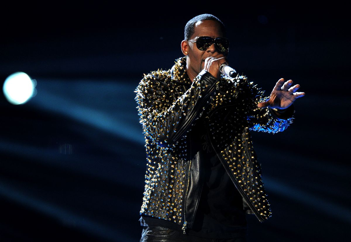R. Kelly performs onstage at the 2013 BET Awards at the Nokia Theatre (Frank Micelotta/invision/ap)
