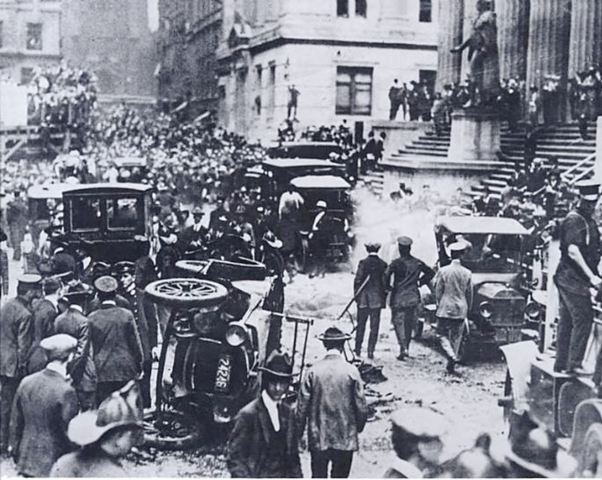 The aftermath of the September 16, 1920 Wall Street bombing      (Esemono/Wikimedia)