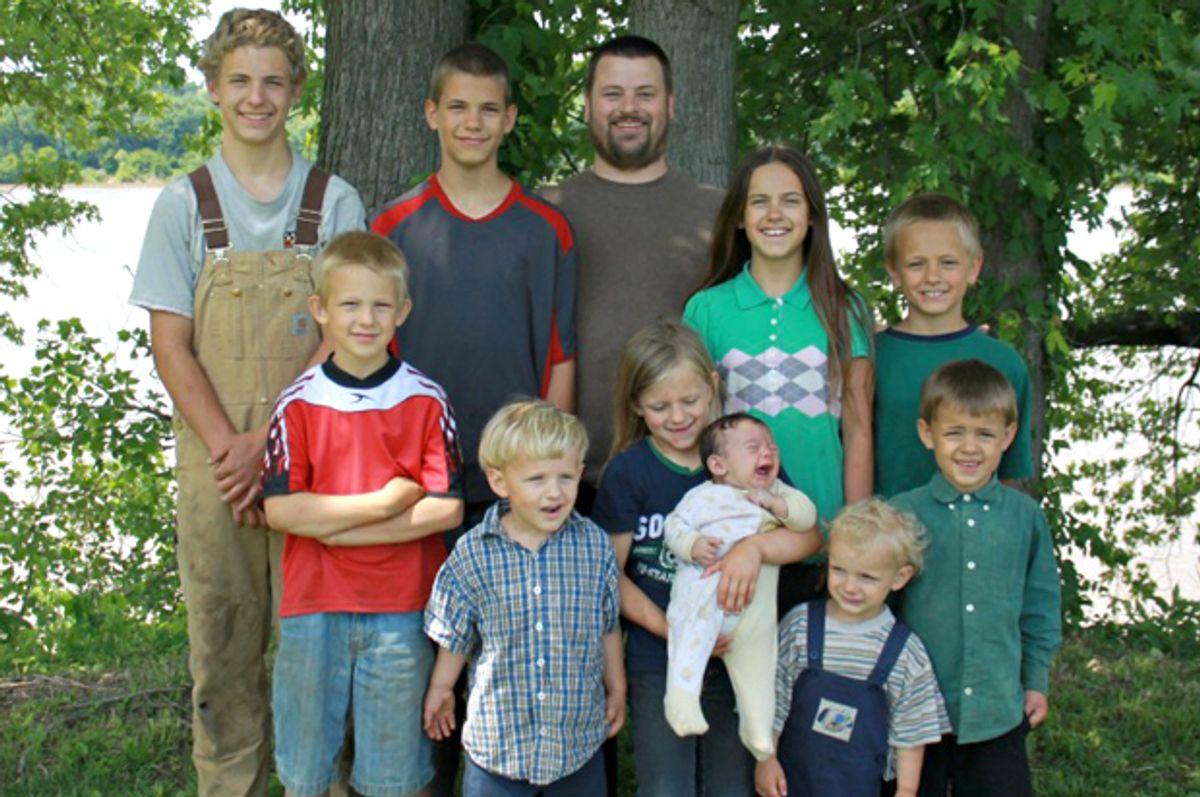 The Naugler Family   (blessedlittlehomestead.org)