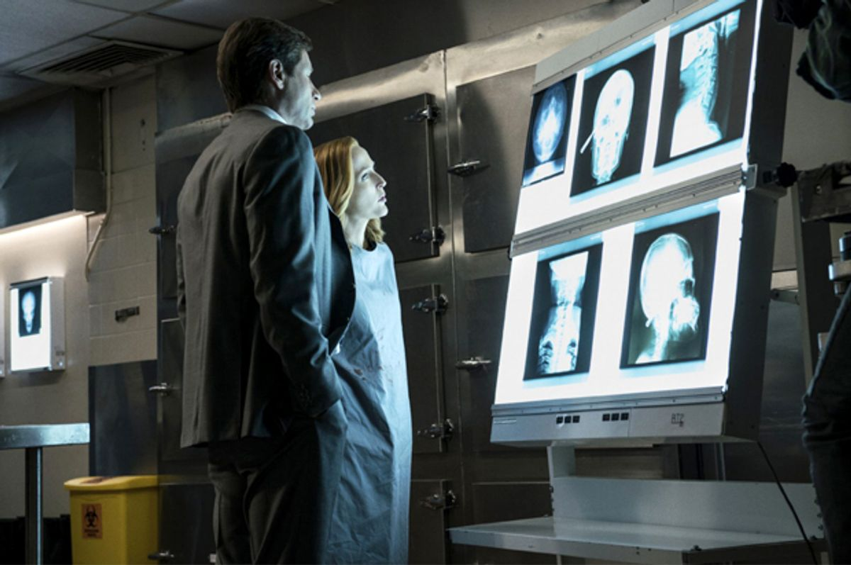 """Gillian Anderson and David Duchovny in """"The X-Files""""   (Fox)"""