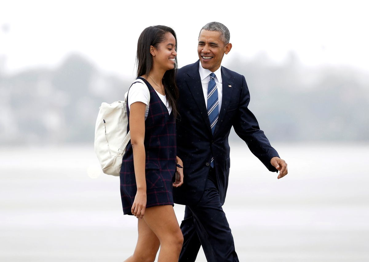"""FILE- In this April 8, 2016, file photo, President Barack Obama and his daughter Malia walk from Marine One toward Air Force One at Los Angeles International Airport. Malia is taking a year off after graduating from high school before attending Harvard University as part of an expanding program for students known as a """"gap year."""" (AP Photo/Nick Ut, File) (AP)"""