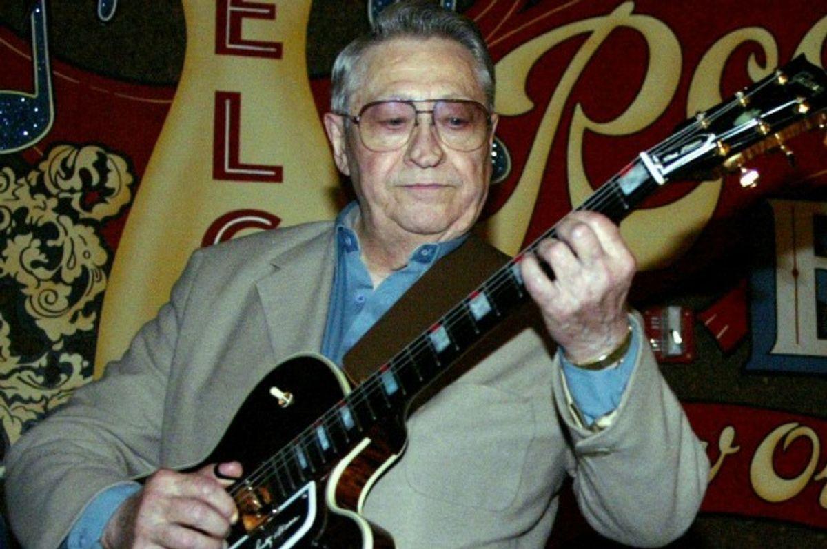 Scotty Moore, original guitarist for Elvis Presley, in 2003 (Judi Bottoni/AP)