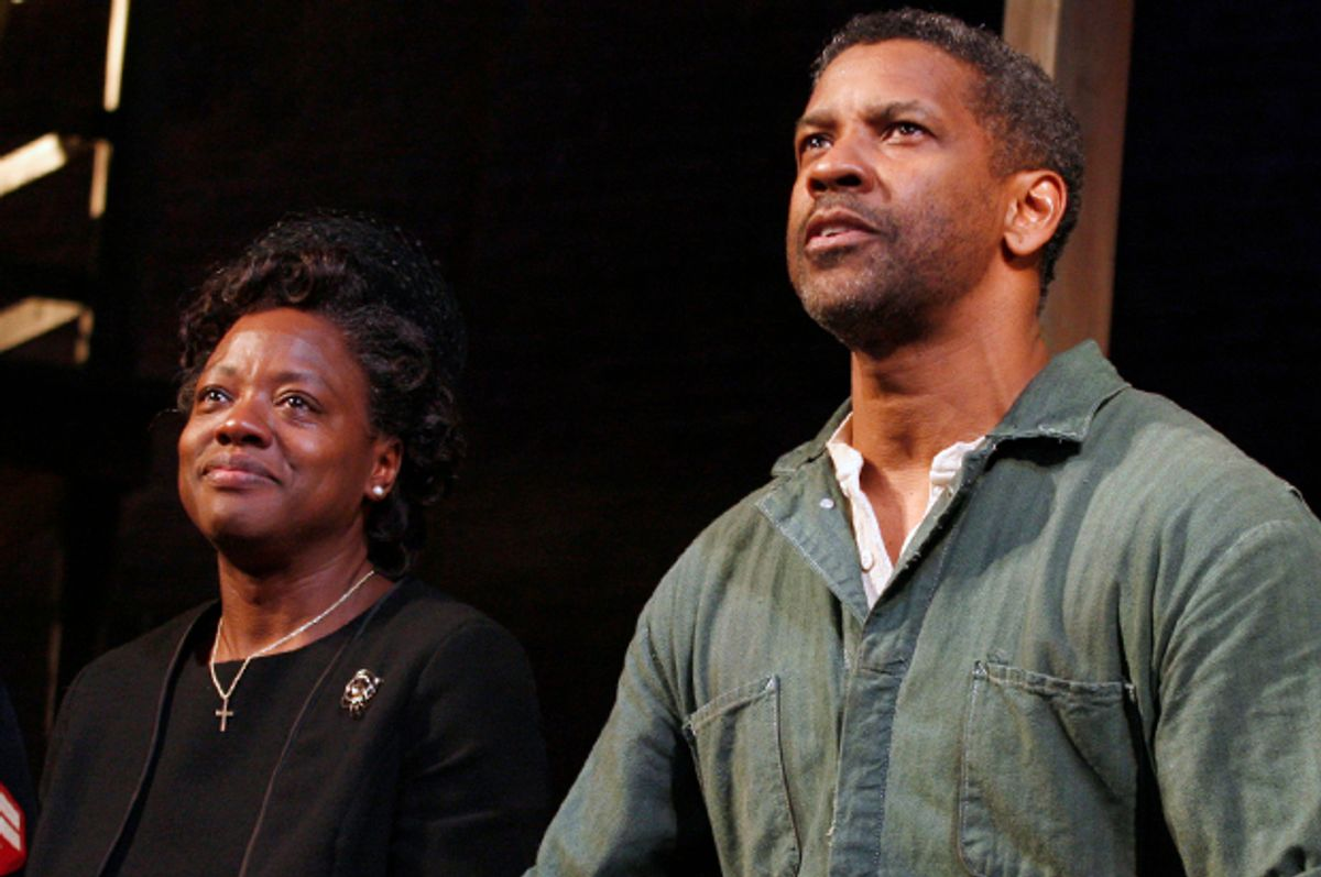 """Viola Davis and Denzel Washington during the curtain call on opening night of """"Fences"""" in New York City, April 26, 2010.   (Reuters/Jessica Rinaldi)"""