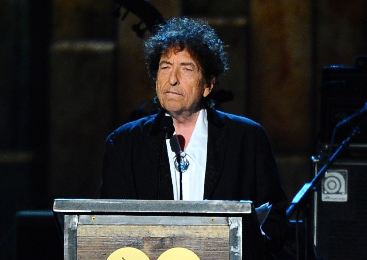 Bob Dylan accepts the 2015 MusiCares Person of the Year award at the 2015 MusiCares Person of the Year show in Los Angeles.  (AP)