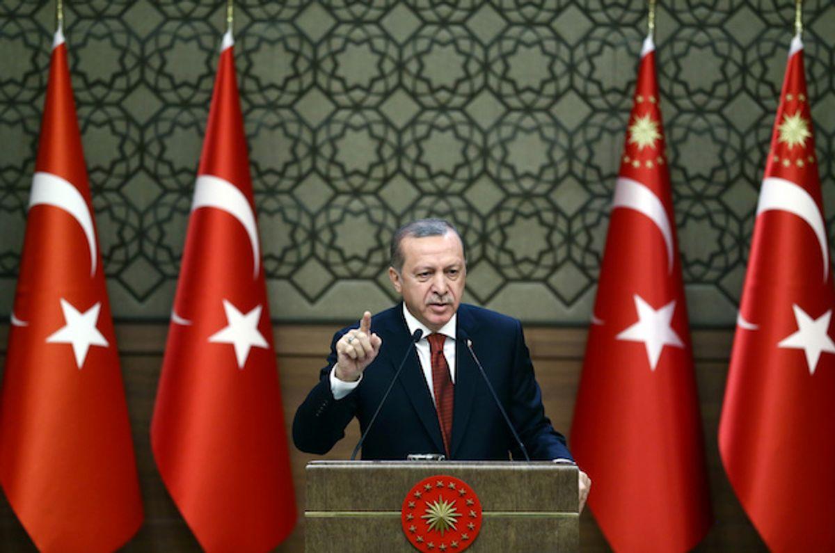 Turkish President Tayyip Erdogan makes a speech at the Presidential Palace in Ankara, Turkey, October 26, 2016  (Reuters/Yasin Bulbul/Presidential Palace)