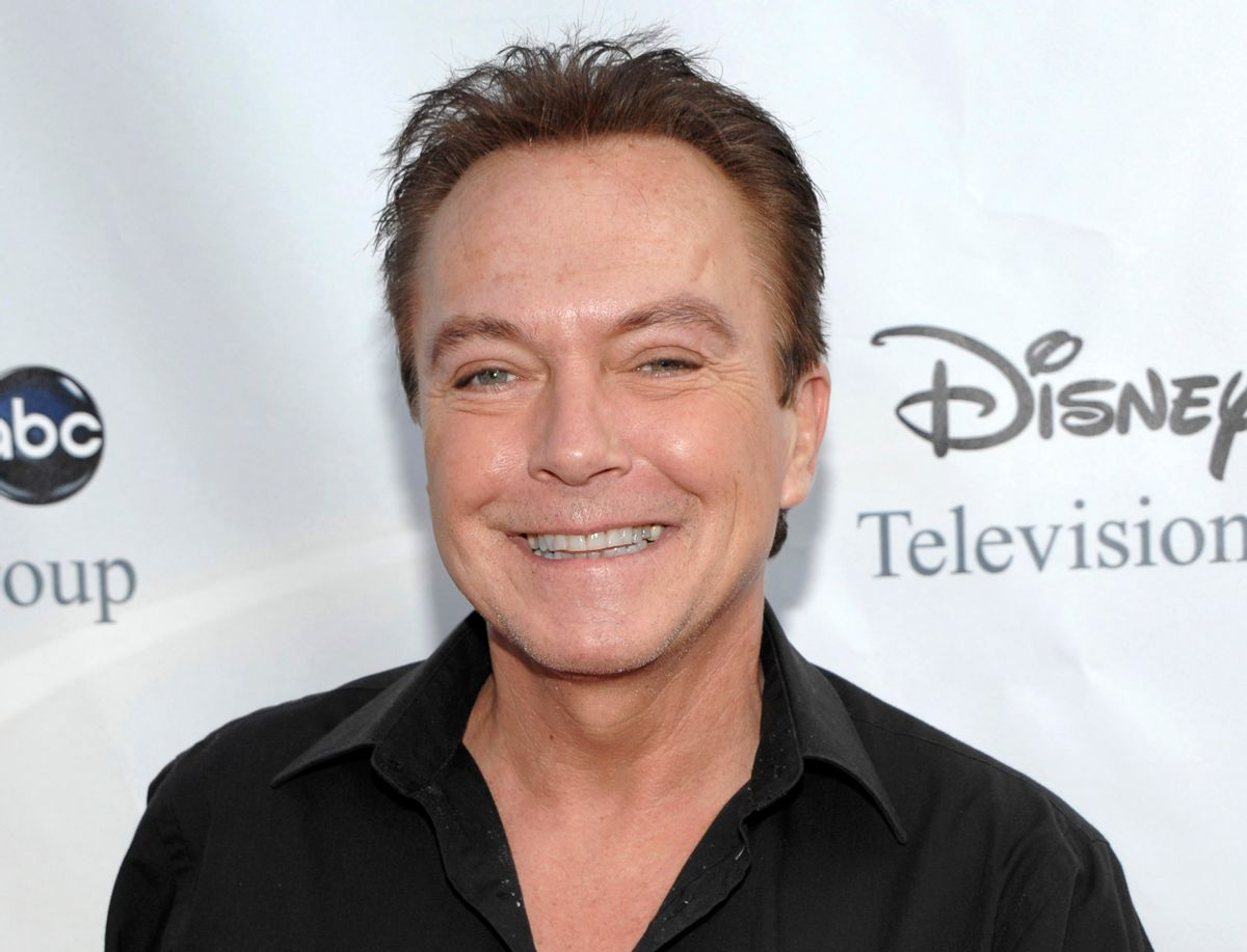 """FILE - This Aug. 8, 2009 file photo shows actor-singer David Cassidy, best known for his role as Keith Partridge on """"The Partridge Family,"""" arrives at the ABC Disney Summer press tour party in Pasadena, Calif. Cassidy says he is struggling with memory loss. Cassidy told People magazine that his family has a history of dementia and that he had sensed """"this was coming."""" He added that for now he wanted to stay focused and """"enjoy life."""" (AP Photo/Dan Steinberg, File) (AP)"""