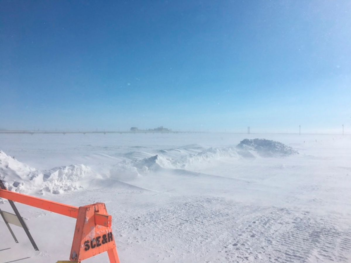 Oil well misting natural gas on Alaska's frozen North Slope, April 2017 (U.S. Environmental Protection Agency via AP)