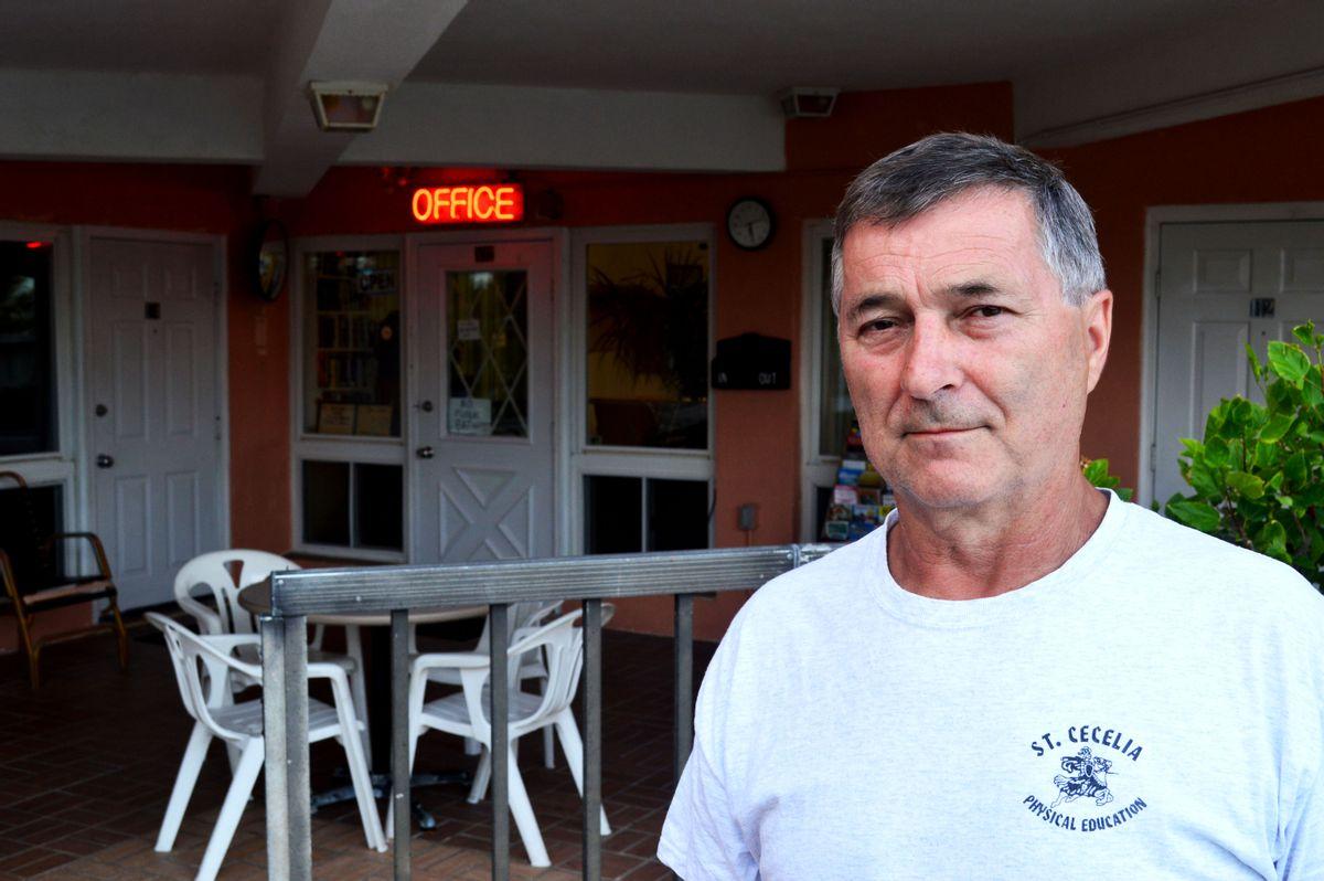 New Yorker Motel owner Edward Chzaicki (Tyler Gillespie)