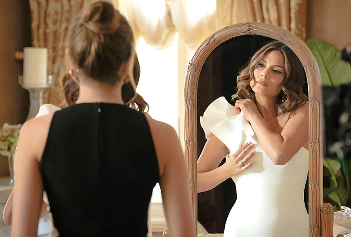 """Elizabeth Gillies and Nathalie Kelley in """"Dynasty"""" (CW)"""