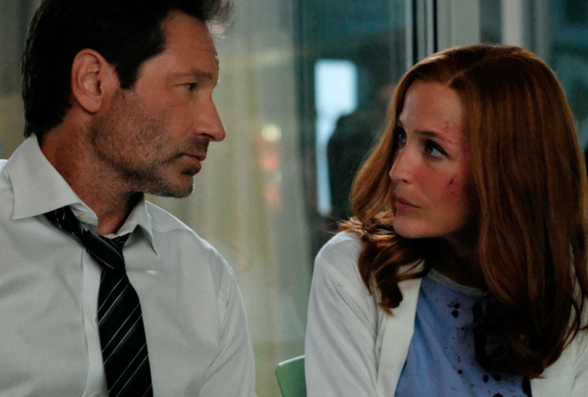 """David Duchovny as Fox Mulder and Gillian Anderson as Dana Scully in """"The X-Files"""" (FOX)"""